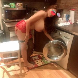 Melise escort girl in Lawrence