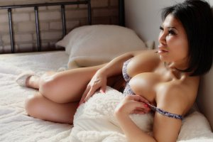 Sumayyah escort in Astoria & massage parlor