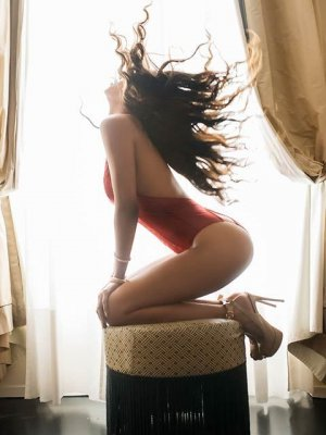 Oksana erotic massage and escort girls