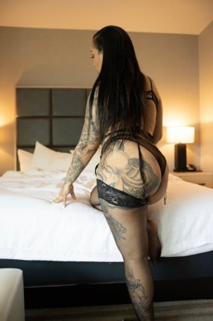 Teslime call girl in Lenoir NC, nuru massage