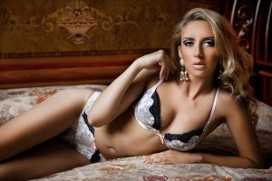 Klaudia escort girls