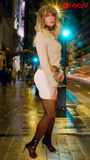 Aia nuru massage and live escort