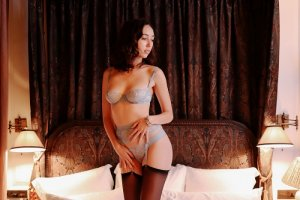 Kaline thai massage and escort girls