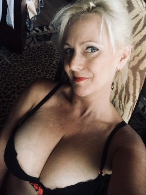 Thomase tantra massage in Marion, call girl